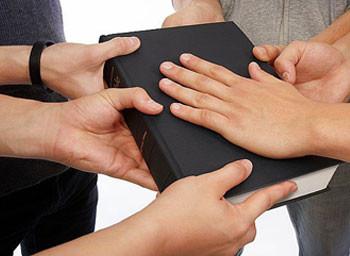 Biblija - ruke